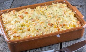 картофельная запеканка с курицей, фасолью и сыром